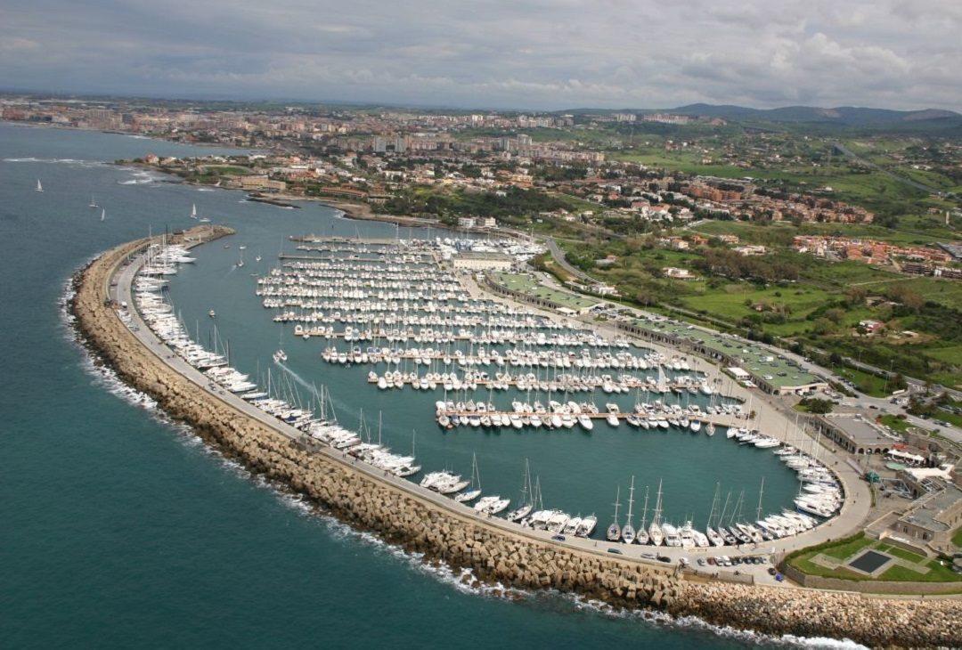 https://www.villaerasi.com/wp-content/uploads/2016/03/Fiumicino-porto4_Villa-Erasi-BEd-and-Breakfast-1080x730.jpg