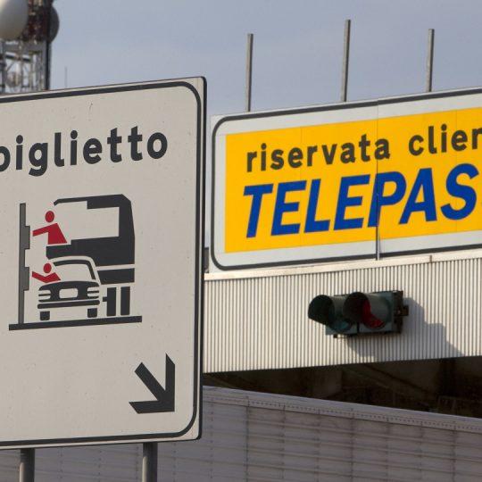 https://www.villaerasi.com/wp-content/uploads/2016/03/autostrada-Telepass_Villa-Erasi-bed-and-Breakfast-Fiumicino-540x540.jpg